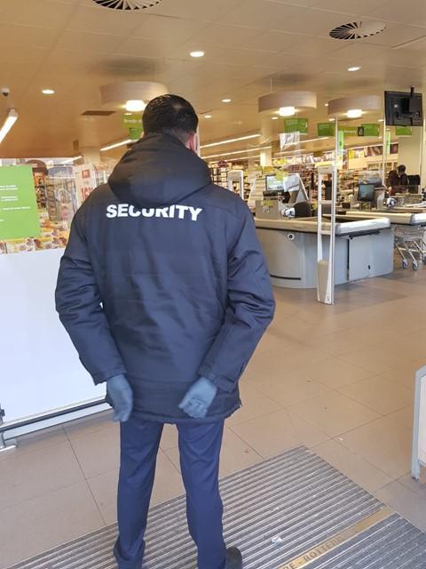 voorbeeld medewerker security.JPG