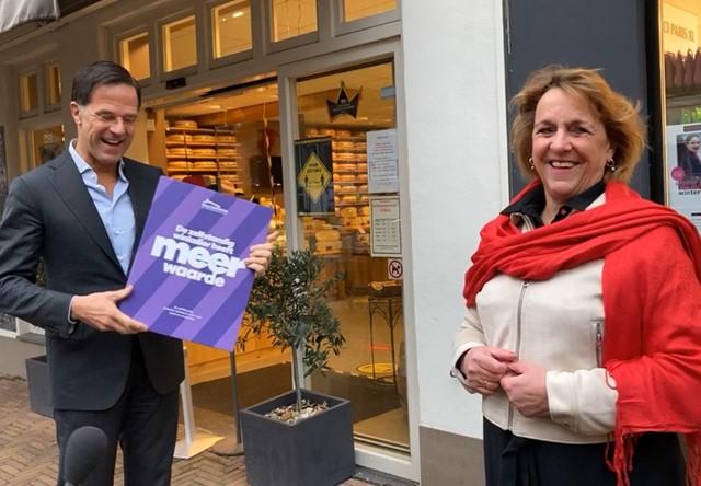 Patricia Hoogstraaten en minister president Mark Rutte 4 (Middel).jpg